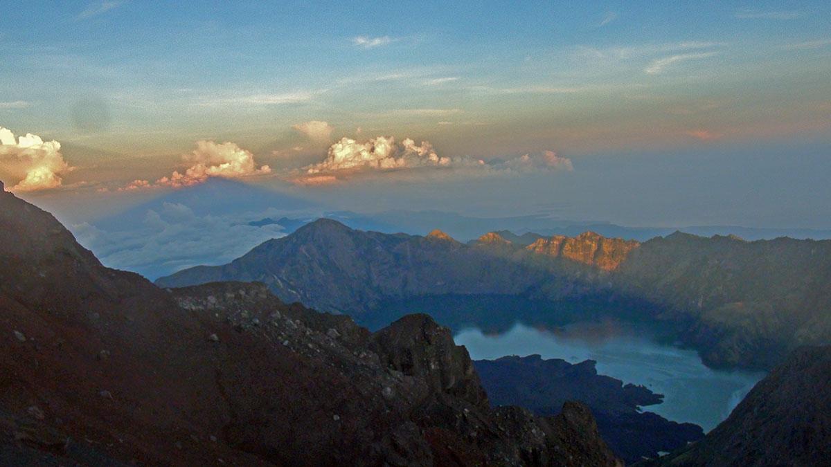 Summit Rinjani Trekking Lombok island
